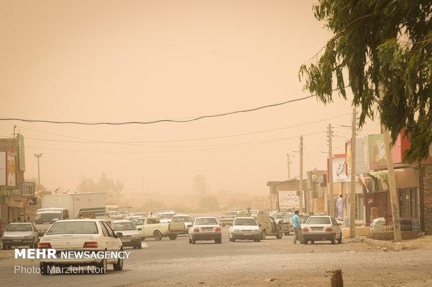 توزیع بیش از ۲ هزار ماسک در مناطق درگیر توفان شن